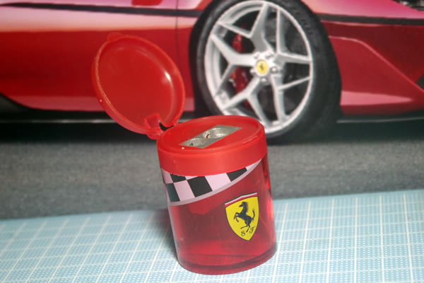 ferrari_sharpener_01.jpg