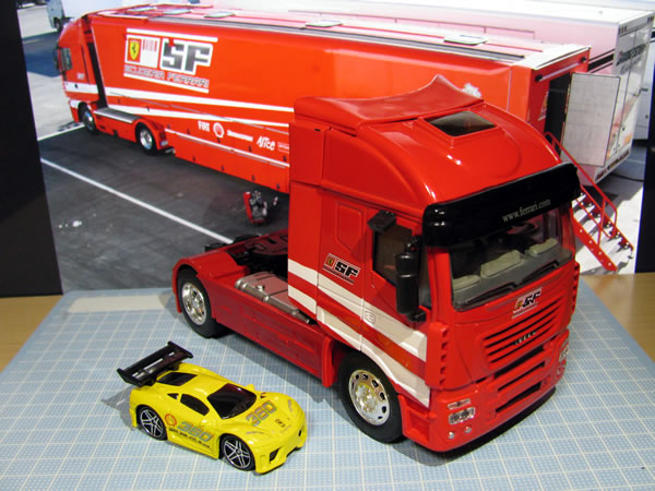 ferrari_truck_ebay_01.jpg