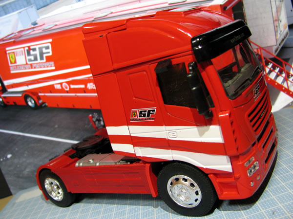 ferrari_truck_ebay_04.jpg