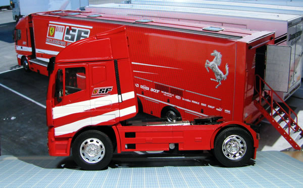 ferrari_truck_ebay_05.jpg