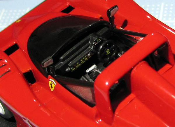 hachette_10_333sp_cockpit.jpg