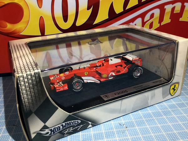 hotwheel_43_f2005_1_box.jpg