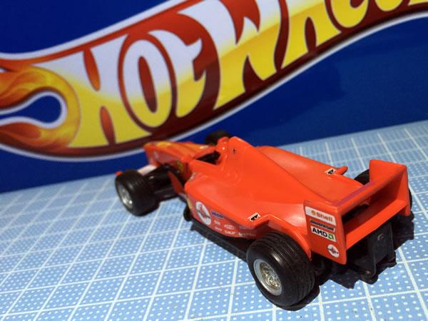 hotwheel_43_pullback_f2004_wh1_rear.jpg