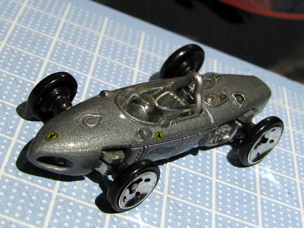 hotwheels_156f1_silver_front_01.jpg