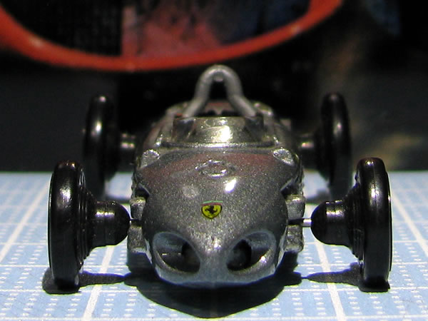 hotwheels_156f1_silver_front_02.jpg