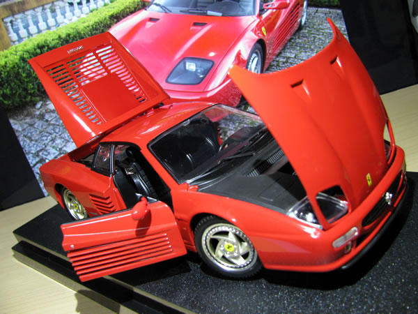 hotwheels_18_f512m_red_04.jpg