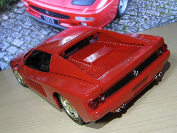 hotwheels_18_f512m_red_08.jpg