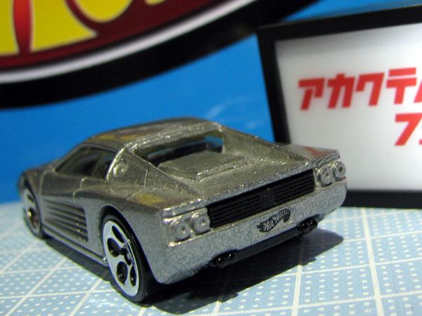 hotwheels_64_f512m_silver_004.jpg