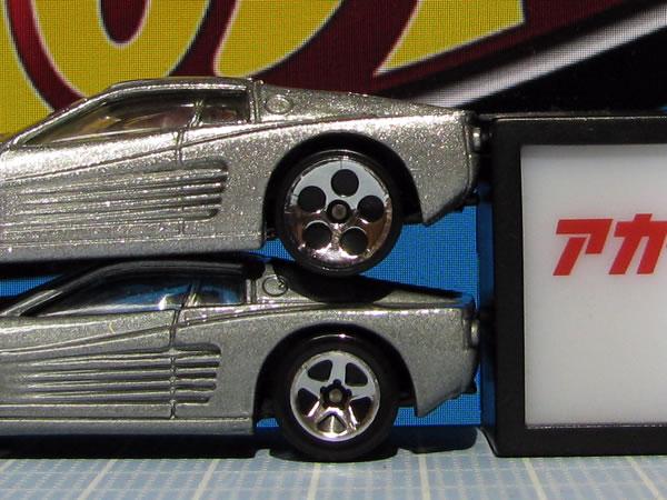 hotwheels_64_f512m_silver_007.jpg