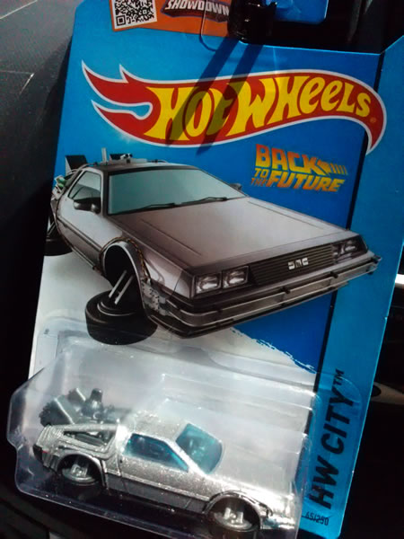 hotwheels_delorean_bttf2_hovermode_package.jpg