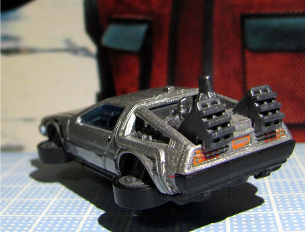 hotwheels_delorean_bttf2_hovermode_rear.jpg