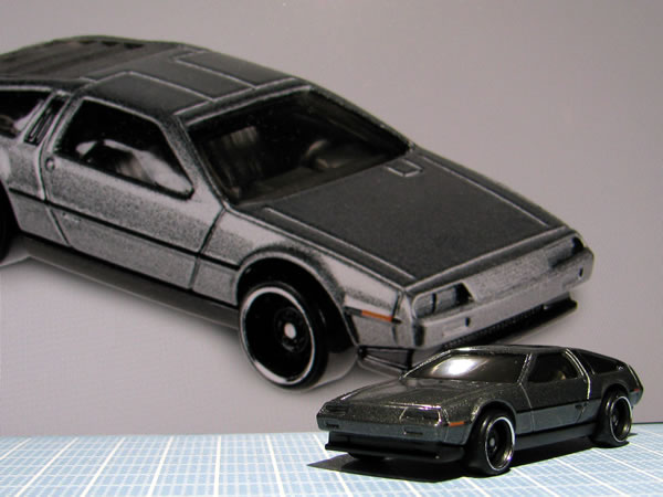 hotwheels_delorean_factory_fresh_front.jpg