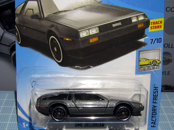 hotwheels_delorean_factory_fresh_package_02.jpg