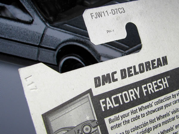 hotwheels_delorean_factory_fresh_package_ura.jpg