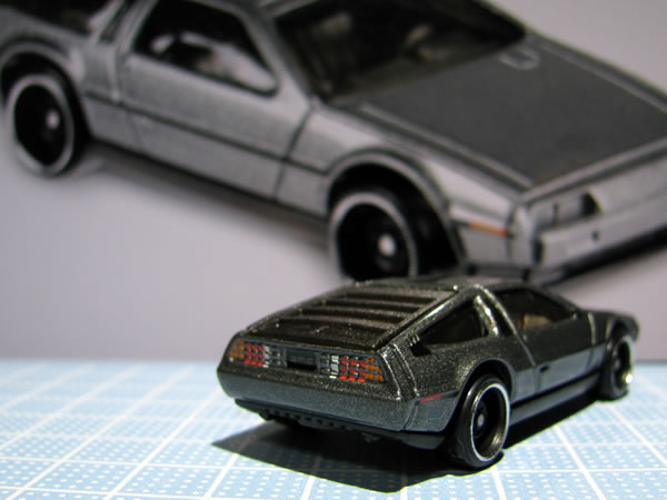 hotwheels_delorean_factory_fresh_rear.jpg