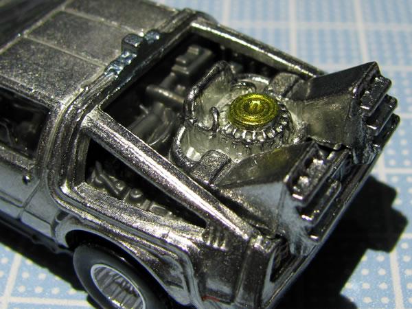 hotwheels_retro_delorean_bttf1_engine.jpg