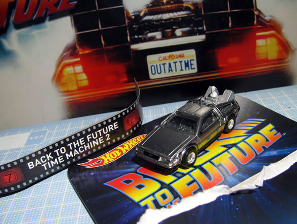 hotwheels_retro_delorean_bttf2_buribari.jpg