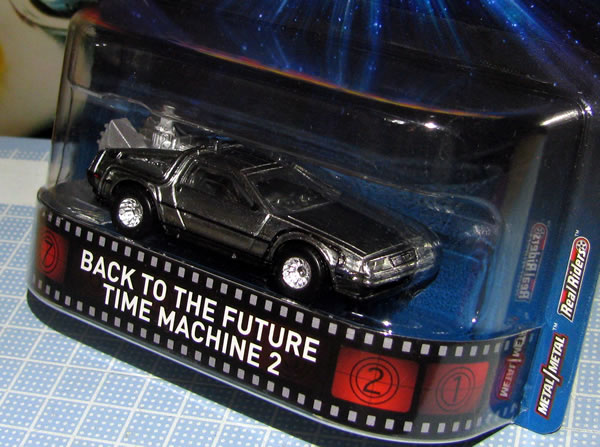 hotwheels_retro_delorean_bttf2_package_up.jpg
