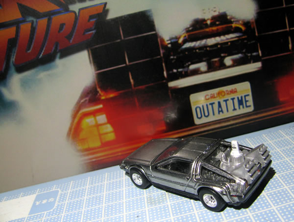 hotwheels_retro_delorean_bttf2_rear_01.jpg