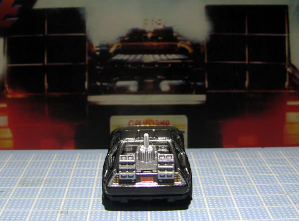 hotwheels_retro_delorean_bttf2_rear_02.jpg
