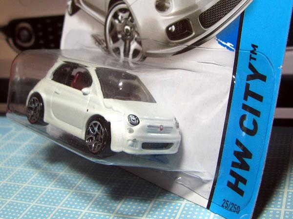 hw_fiat500_white_package_02.jpg