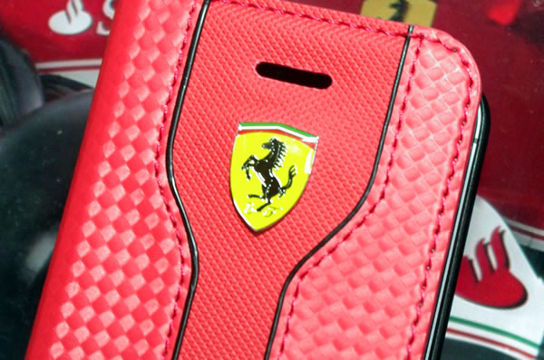 iphone5s_ferrari_case_logo.jpg