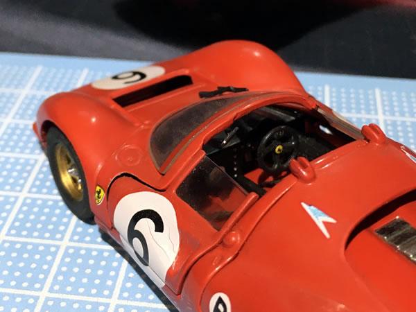 jouef_43_330p4_6_cockpit.jpg