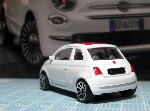 majorette_fiat500_roof_red_rear.jpg