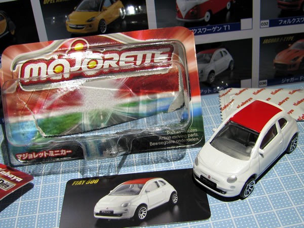 majorette_fiat500_roof_red_vin_card_omote.jpg