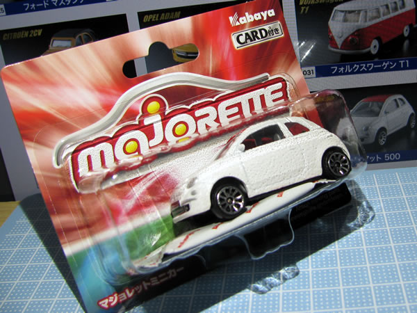 majorette_fiat500_roof_red_vin_package.jpg