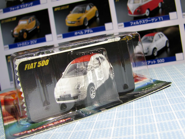 majorette_fiat500_roof_red_vin_package_ura.jpg