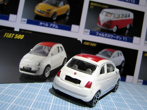 majorette_fiat500_roof_red_vin_rear.jpg