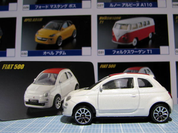 majorette_fiat500_roof_red_vin_side.jpg