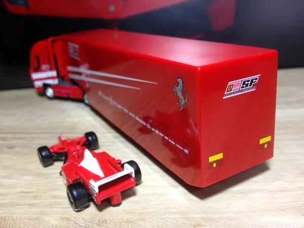 newray_87_ferrari_transporter_2010_rear.jpg
