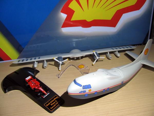 shell_refuelling_plane_f310b_01.jpg