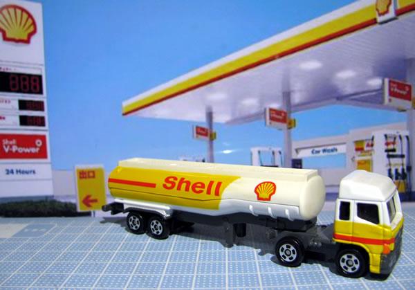 tomica_2009_shell_tanker_01.jpg