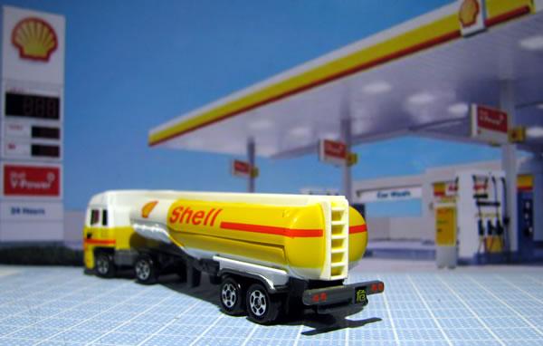 tomica_2009_shell_tanker_03.jpg