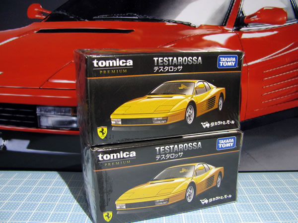 tomica_61_testarossa_2018yellow_box_01.jpg