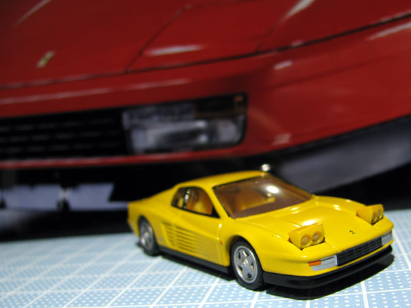 tomica_61_testarossa_2018yellow_light.jpg
