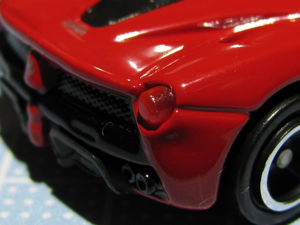 tomica_62_laferrari_red_clear_rear.jpg