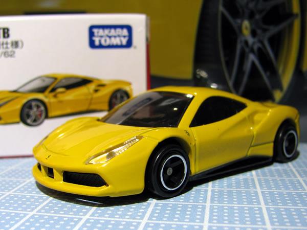 tomica_64_ferrari_488gtb_shokai_yellow_clearparts.jpg