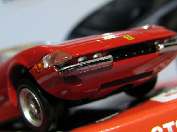 tomica_pre_36_ferrari_365gts_red_front_up.jpg