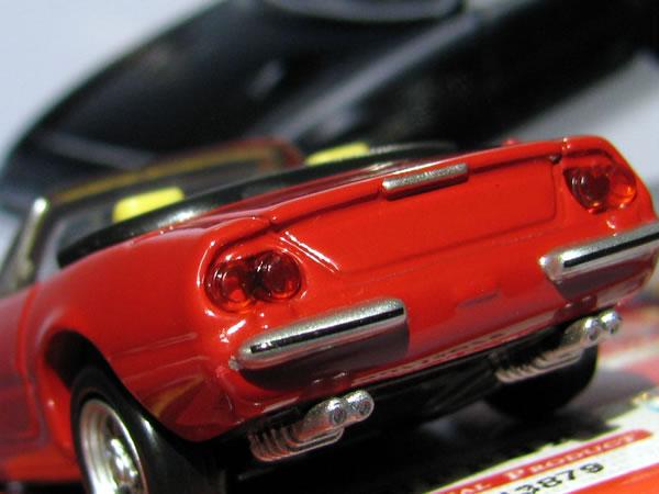 tomica_pre_36_ferrari_365gts_red_rear.jpg