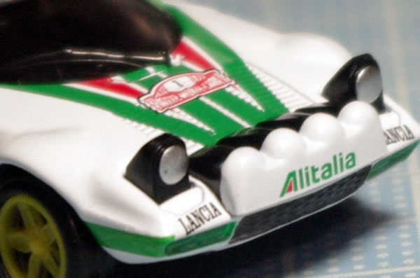 tomica_pre_58_stratos_front_up.jpg