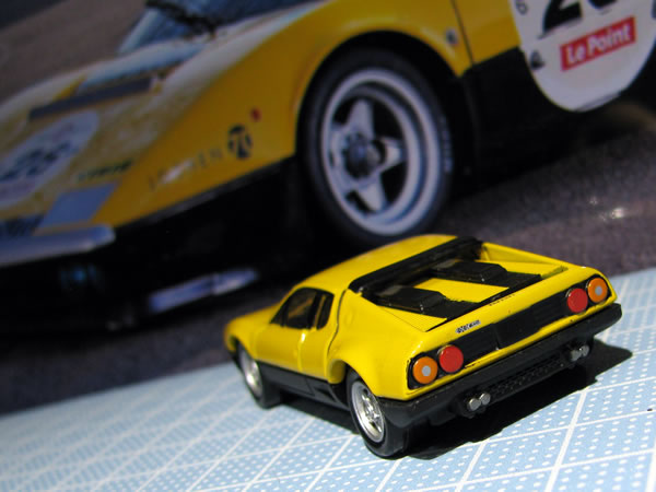 tomica_pre_ferrari_512bb_shokai_yellow_rear.jpg