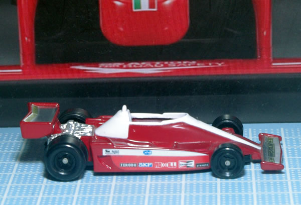 tomoca_55_ferrari_312t3_11side.jpg