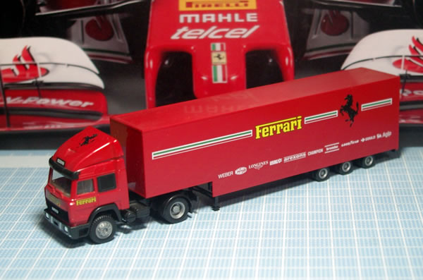 transporter_herpa_87_front_01.jpg