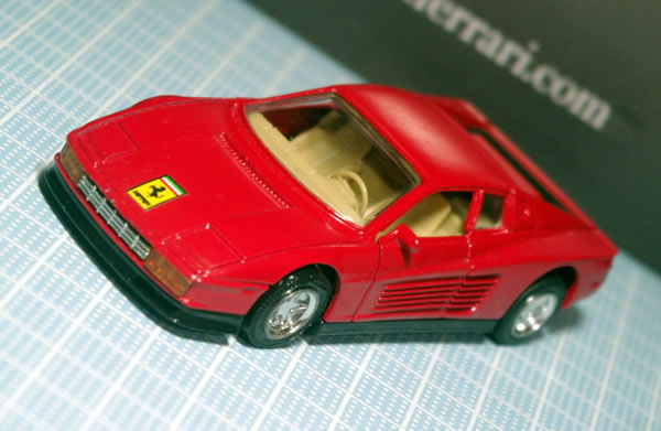 unknown_testarossa_1_red_pullback_front.jpg