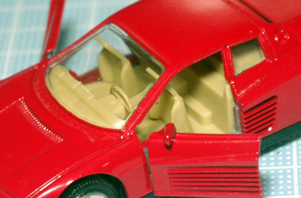 unknown_testarossa_1_red_pullback_open_01.jpg