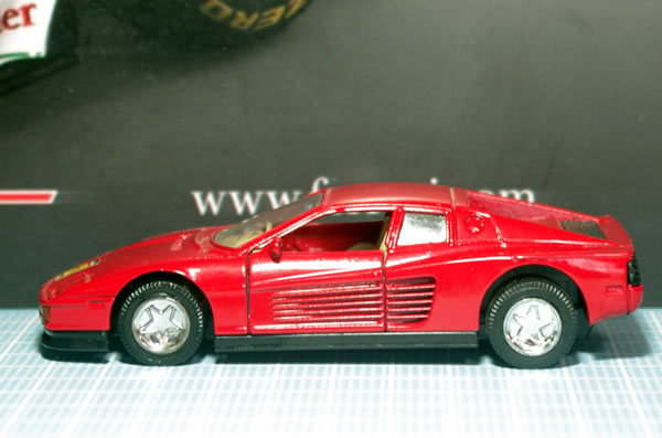 unknown_testarossa_1_red_pullback_side.jpg